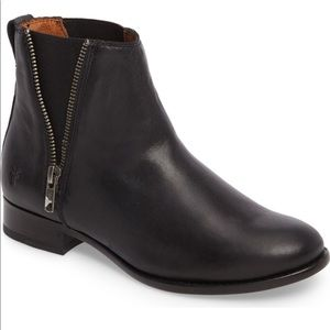 NEW Frye Carly Black Ankle Boots